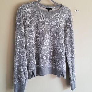 Banana republic light sweater w flower embroidery
